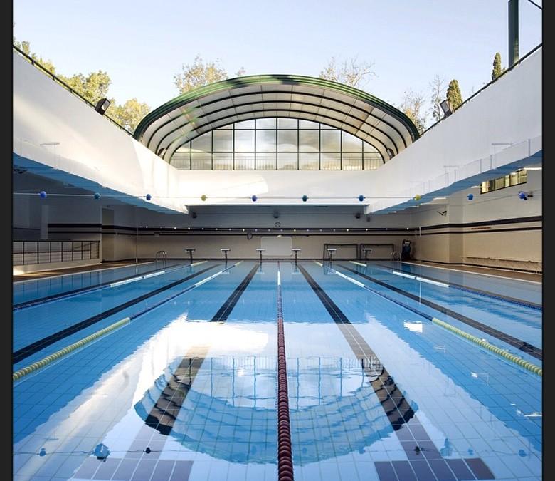 Os riscos de nadar em piscinas com cloro