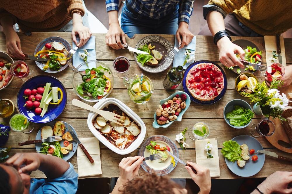 Como comer saudável na casa dos outros sem passar vergonhas