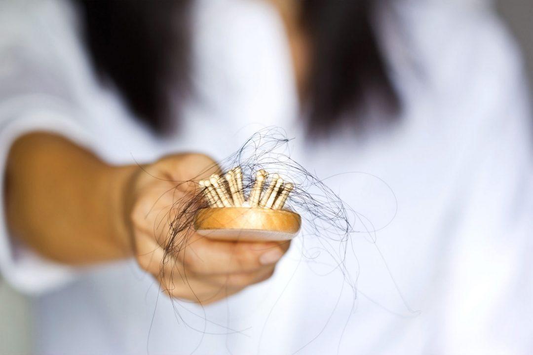 Um tratamento natural para a queda do cabelo que realmente funciona!